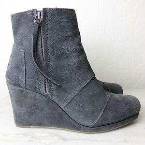 Toms gray suede side zip wedge bootie size 8